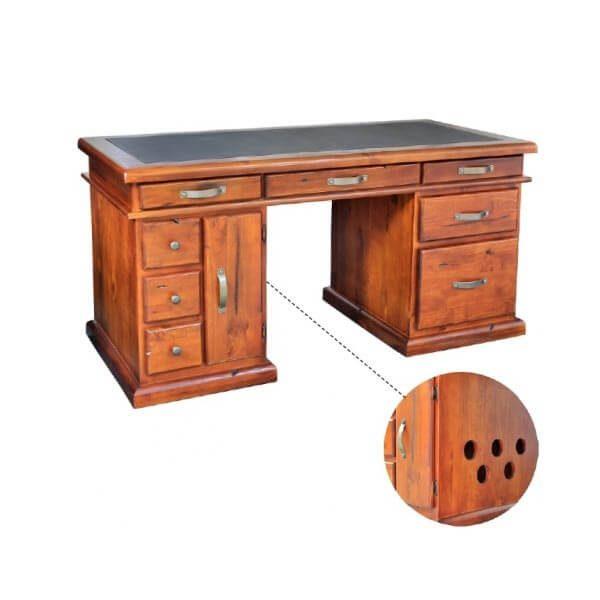 Byron-Desk